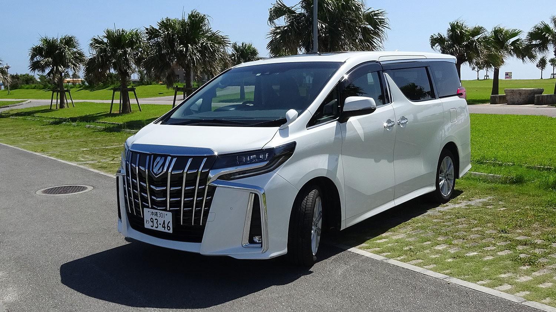 トヨタ 新型アルファード(8名乗りタイプ)